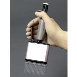 Micropipeta monocanal Axypet ajustable 0,5-10ul con certificado ISO17025 y calibración 3x10